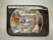XBC105140- přední světlo pravé, do VIN 2A999999